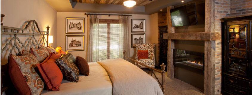 Деревянный интерьер дома: несколько способов сделать его нескучным, спальня