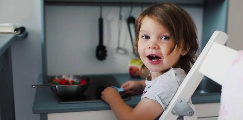 Правила безопасного оборудования кухни, когда в доме ребенок