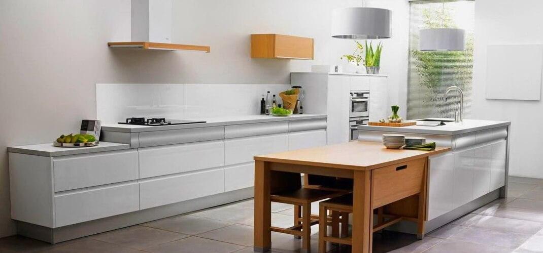 Дизайн кухни без верхнего яруса