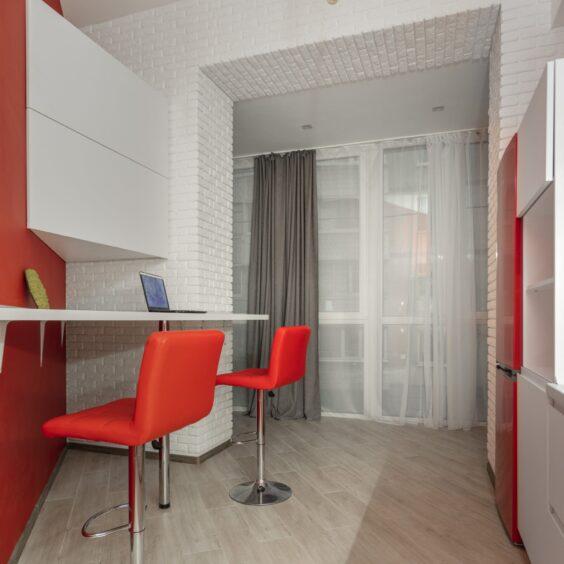 """Ремонт дворівневої квартири ЖК """"Профспілка"""", кухня вид зліва"""