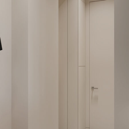 Дизайн-проект квартиры по ул. Семинарской, коридор вид на вход