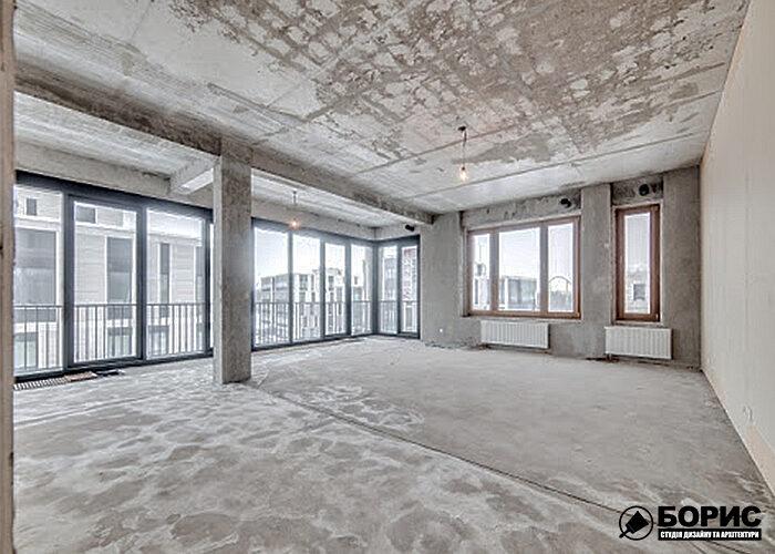 Велика квартира на верхньому поверсі в процесі ремонту.